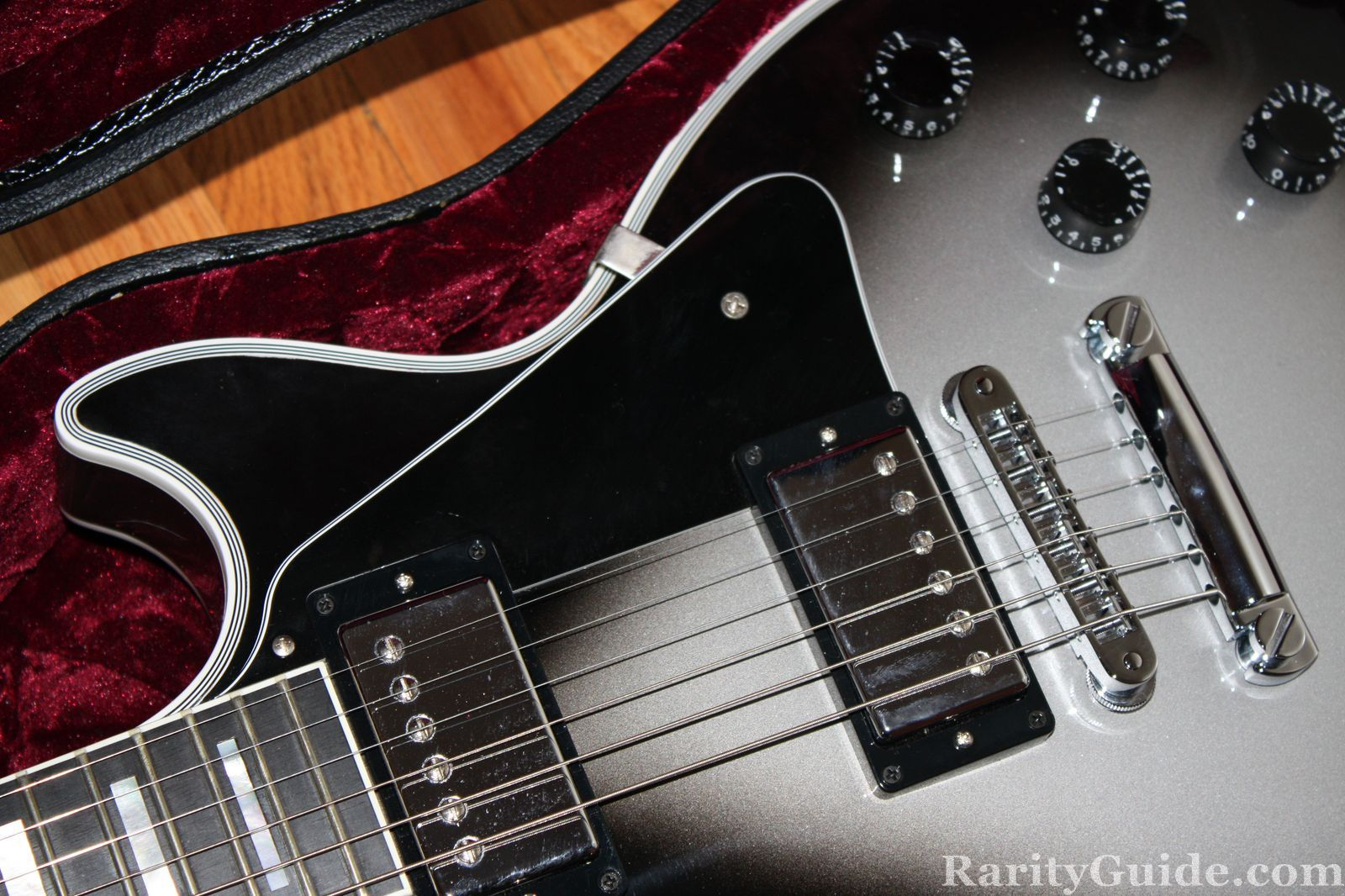 Rarityguide Com Museum Electric Guitars Gibson Custom Silverburst